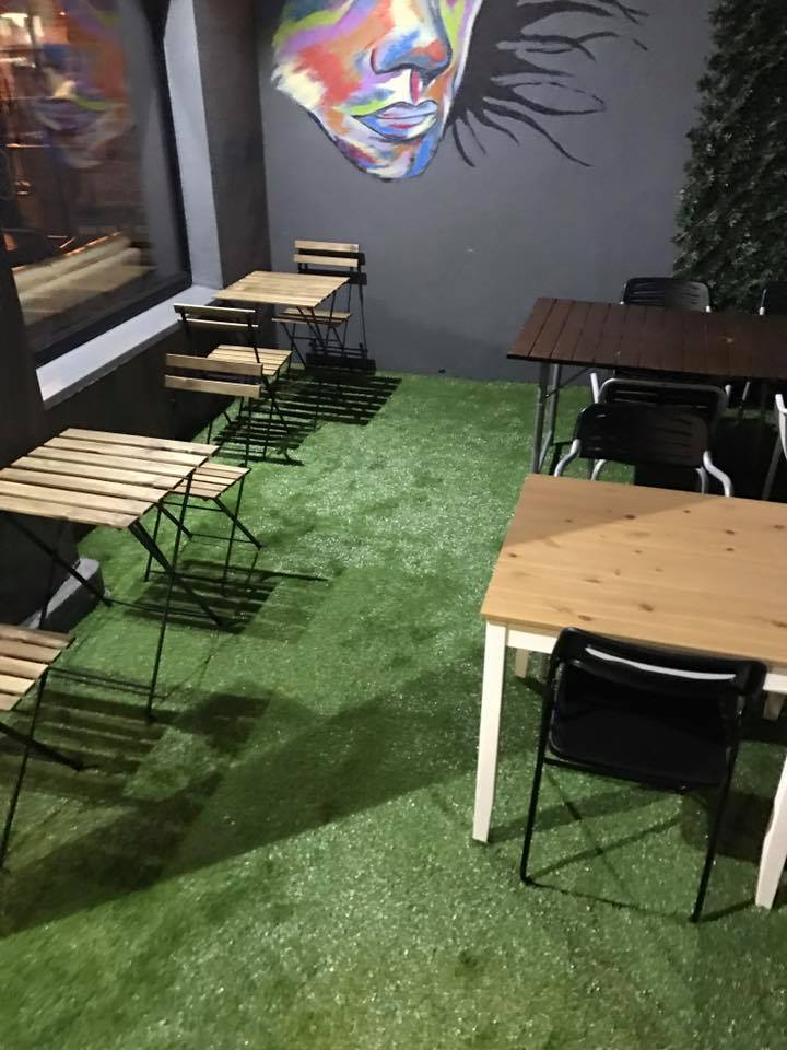 Artificial Grass for Coffee Shop
