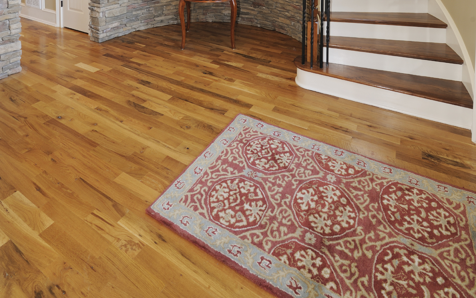 83mm Atlantic Solid Canadian Red Oak Rustic Varnished