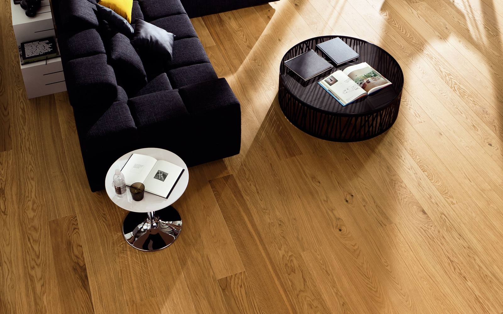 Hamptons Haro 4000 Plank Oak Markant 4V Brushed Naturalin Engineered Flooring